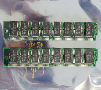 Set 2x NPNX NN5117405BJ-60 32 MB 32MB 64 MB 64MB kit 60 ns 60ns 72-pin SIMM non-parity EDO RAM memory modules - vintage retro 90s