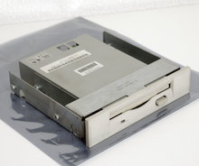 COMPAQ-P-N-141087-702-3.5-1.44MB-DS-HD-internal-5.25-slim-disk-drive-FDD-white-front-PC-179161-001-Proliant-400