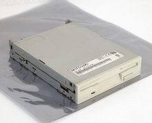 Mitsumi-model-D359M3-3.5-1.44MB-DS-HD-internal-disk-drive-FDD-white-beige-front-PC